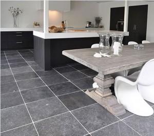 Belgisch-hardstenen-keukenvloer-300x265